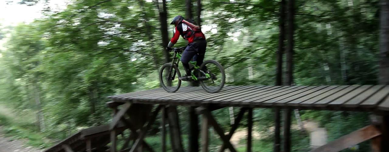 les stages de VTT de descente en bike parks